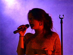 chanteuse-orchestre-variete-pop-rock
